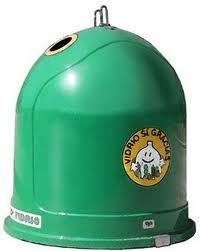 cubo de basura verde